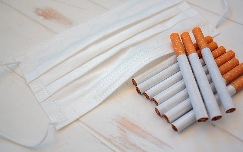 rischio ammalarsi di Covid per i fumatori