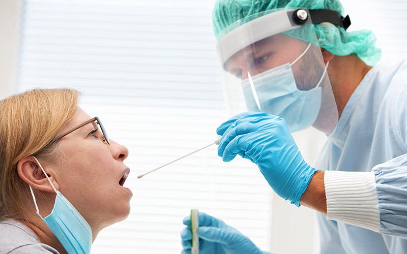 Distinguere l'influenza stagionale dal COVID-19