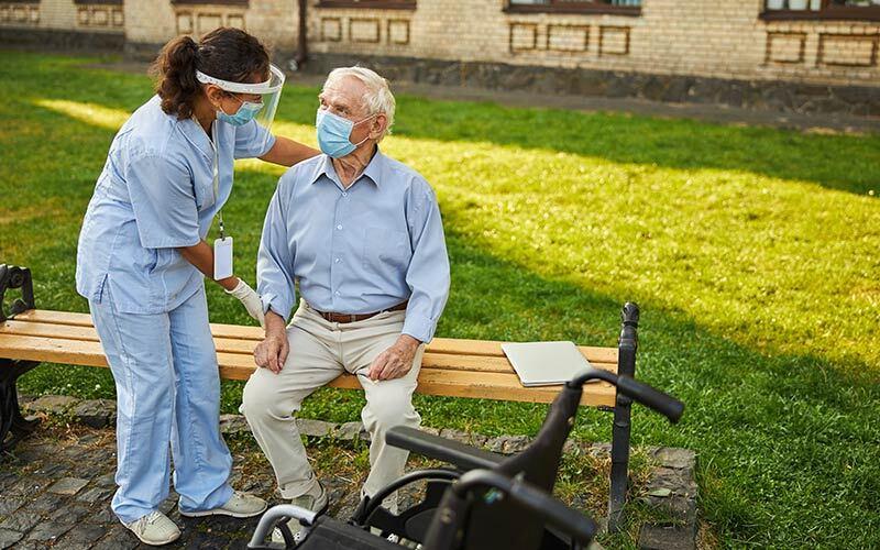 un paziente COVID-19 deceduto su 6 è affetto da demenza