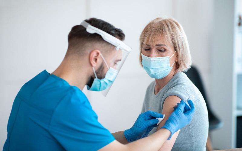 Cosa prevede il Protocollo per le vaccinazioni nei luoghi di lavoro